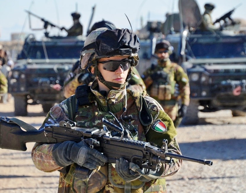 1-il-1c2b0-caporal-maggiore-elisabetta-l-in-pattuglia-a-bala-baluk.jpg