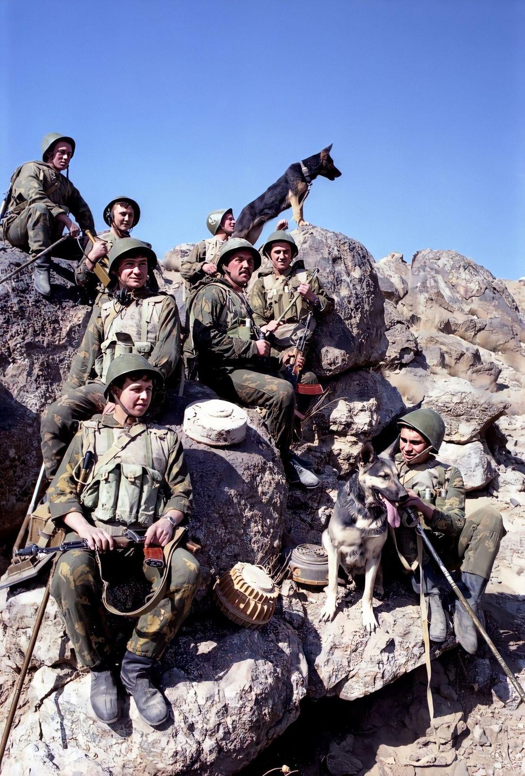 soldats soviétiques 123089286_3783269631706081_4533685629215504283_o-jpg