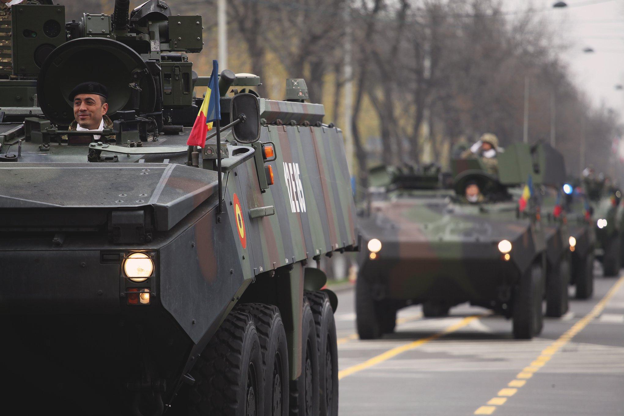 Armée Roumaine/Romanian Armed Forces/Forţele Armate Române - Page 12 18-jpg