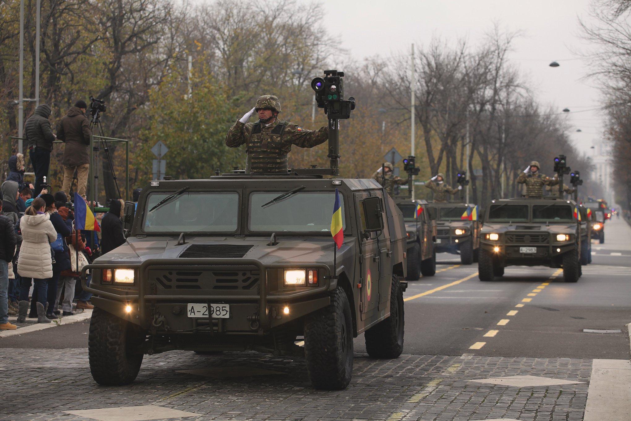 Armée Roumaine/Romanian Armed Forces/Forţele Armate Române - Page 12 37-jpg