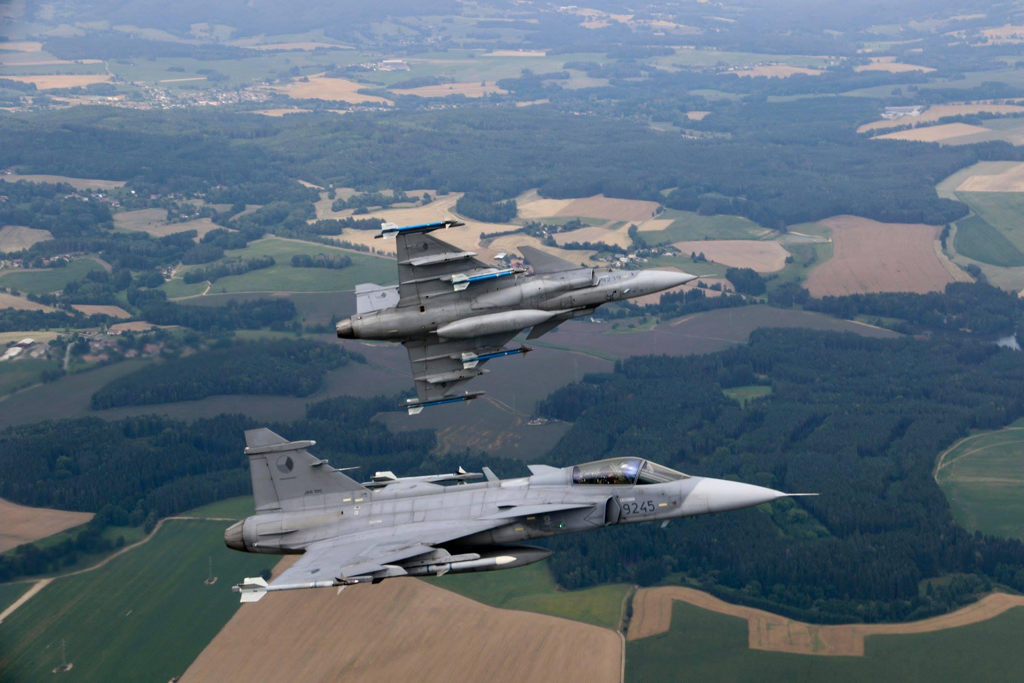 Armée tchèque/Czech Armed Forces - Page 11 37326217_1652998134828850_3195554723054747648_o-jpg