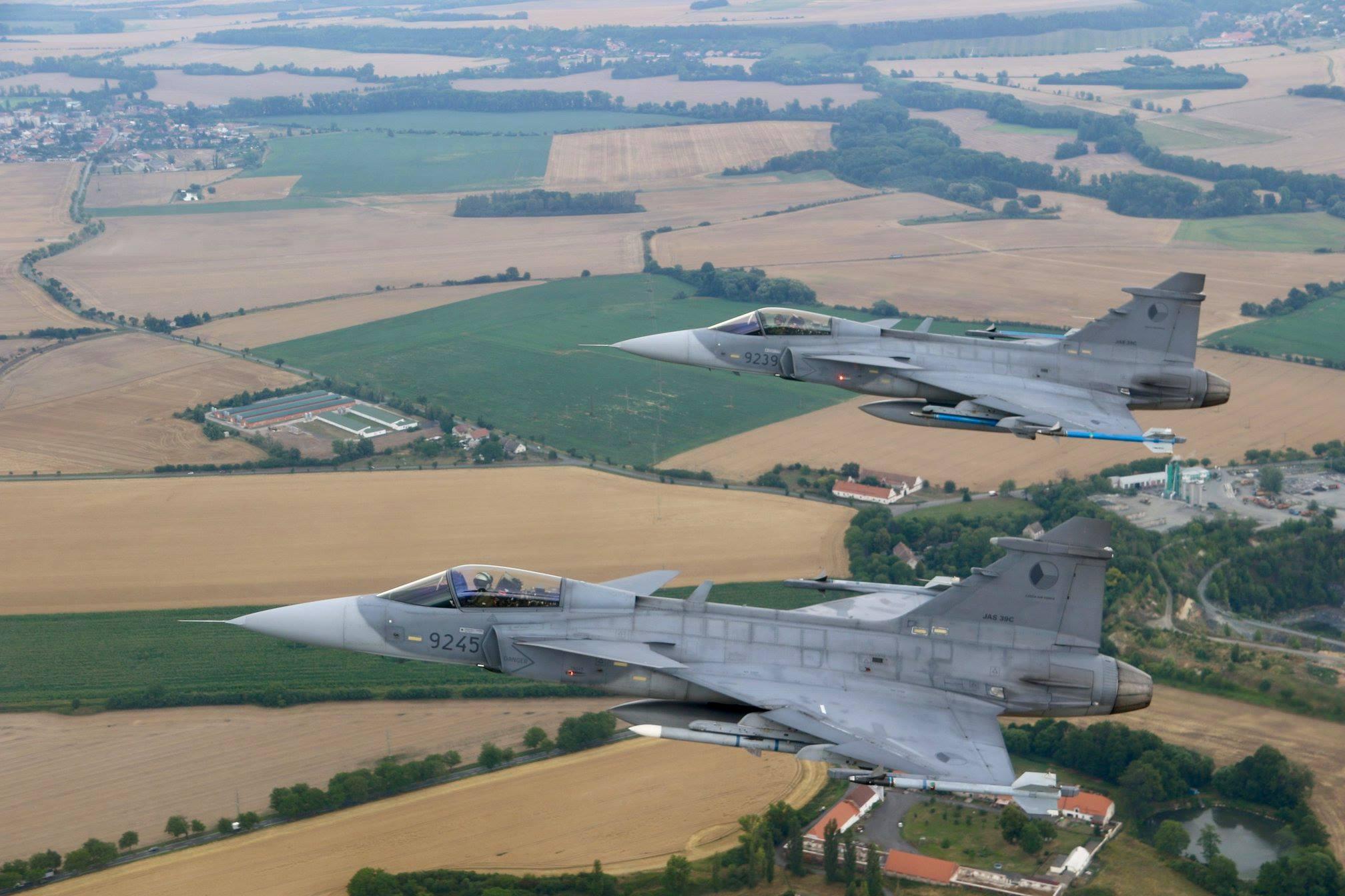 Armée tchèque/Czech Armed Forces - Page 11 37604950_1652998544828809_1385394464998031360_o-jpg