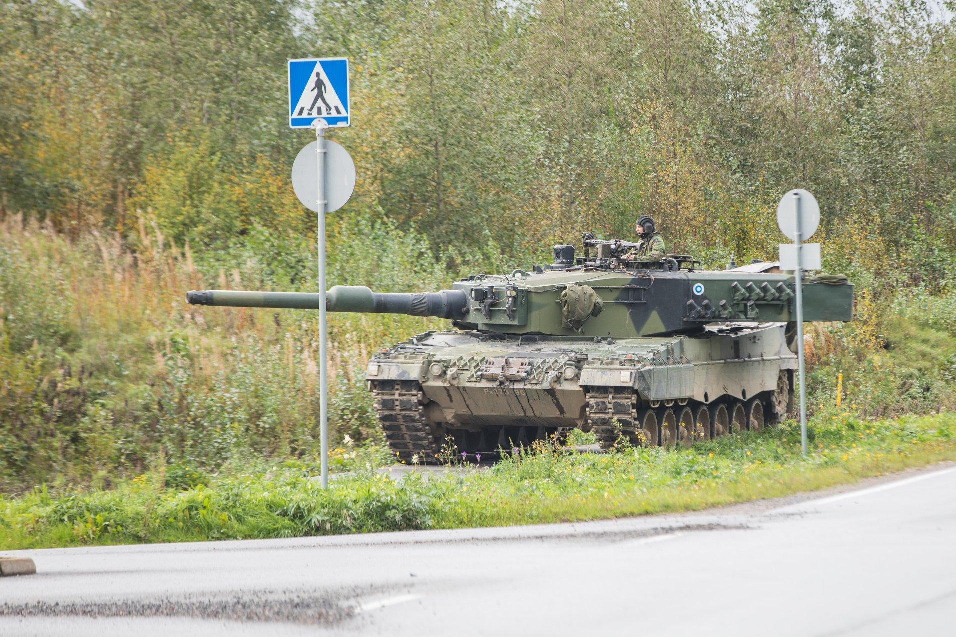 Armée Finlandaise / Finnish Defence Forces / puolustusvoimat - Page 10 41642386_1967725233250856_1842614821946654720_o-jpg