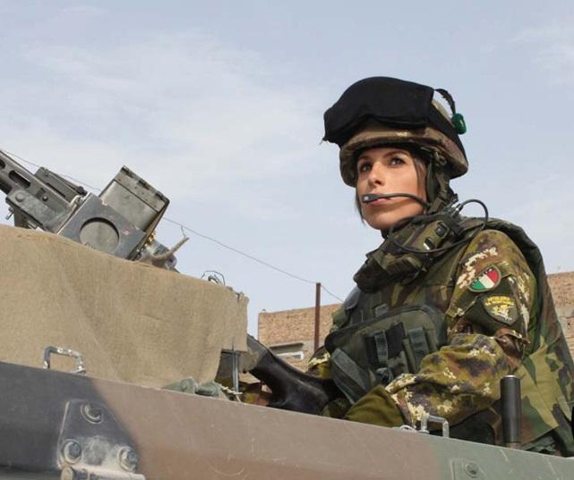 Alpini_on_patrol_in_Afghanistan_with_VTLM.jpg