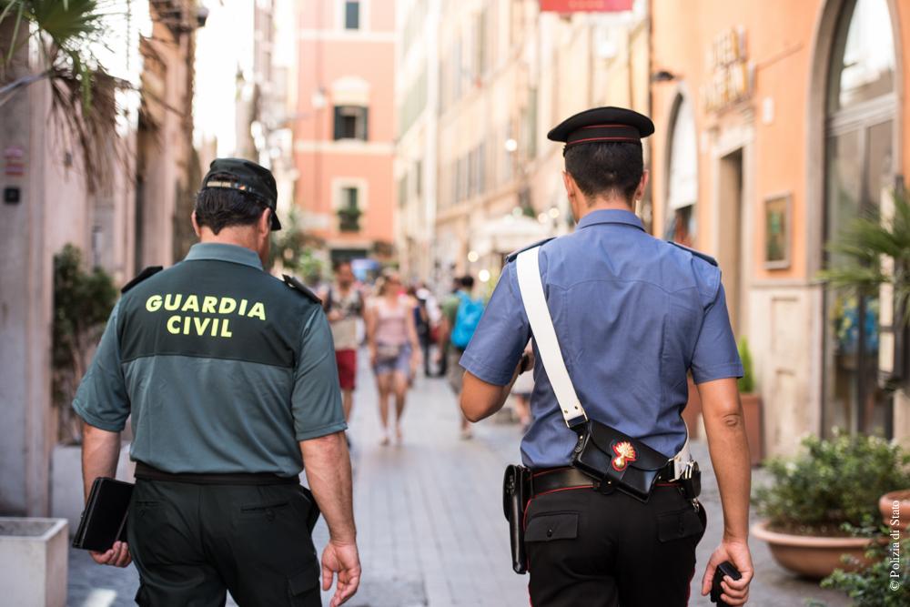 caraninieri_-_guardia_civil.jpg