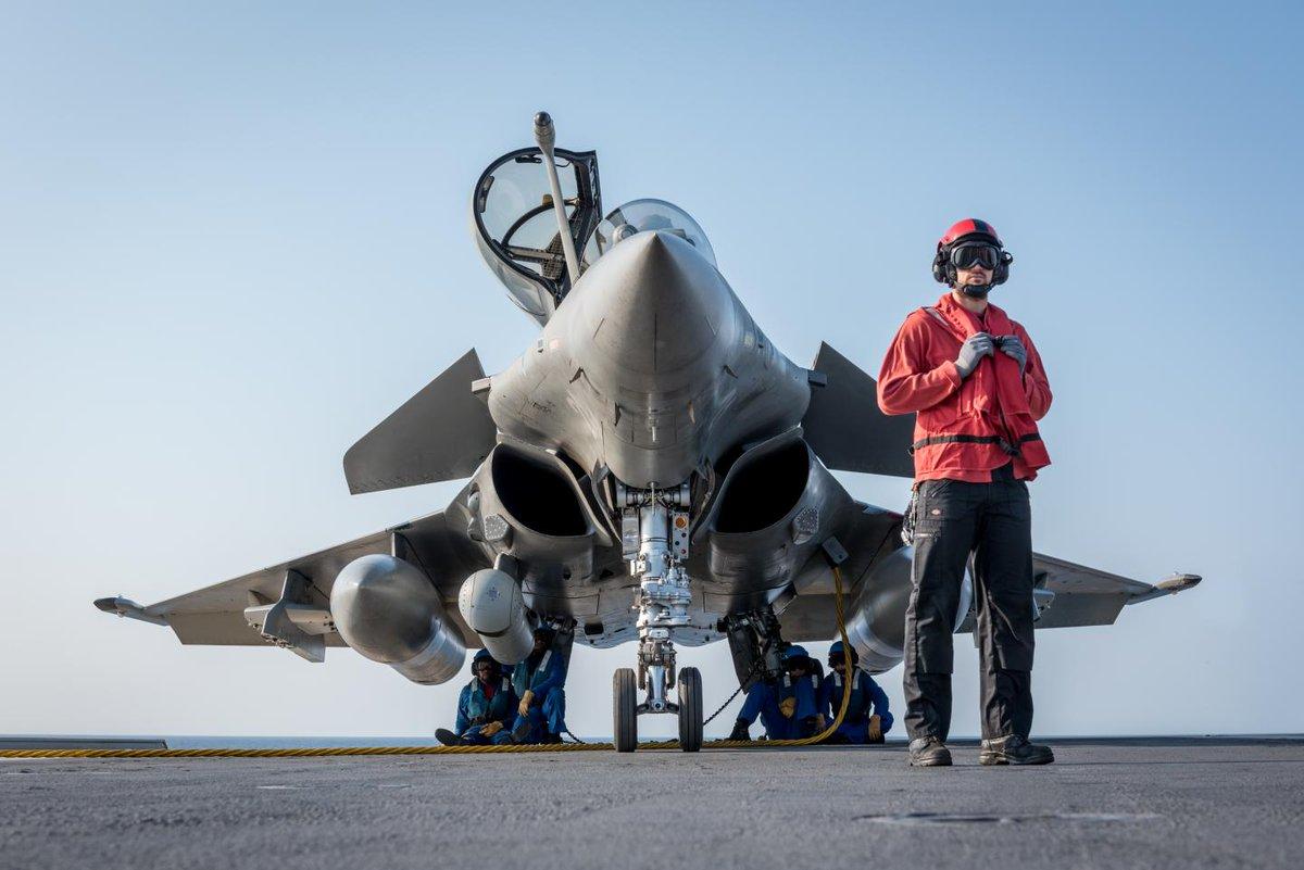 marine et aéronavale Domjc6uw0aa7g1x-jpg