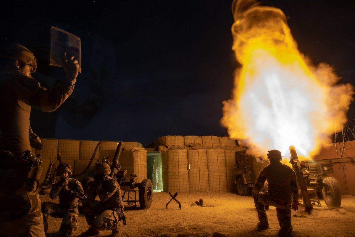 l'artillerie Drezxxywsaaiuep-jpg