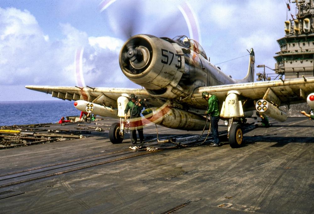 US navy E6twikixsauh_x1-format-jpg-name-large-jpg