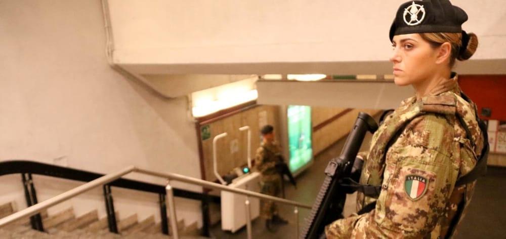 Esercito metro-3.jpg