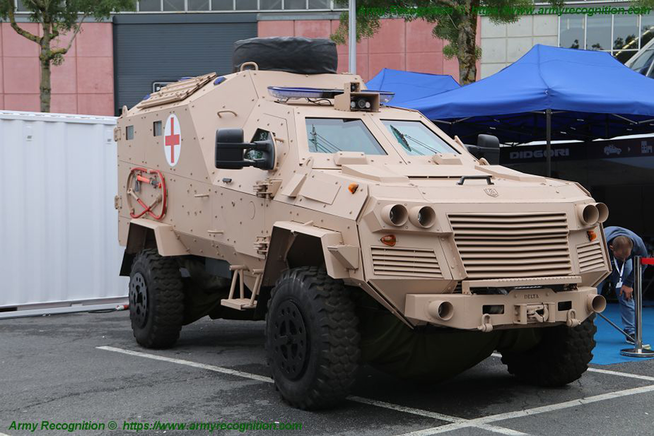 Georgia Μilitary: News and Modernisation - Page 4 Georgian_defense_industry_presents_didgori_4x4_ambulance_armored_at_eurosatory_2018_925_001-jpg