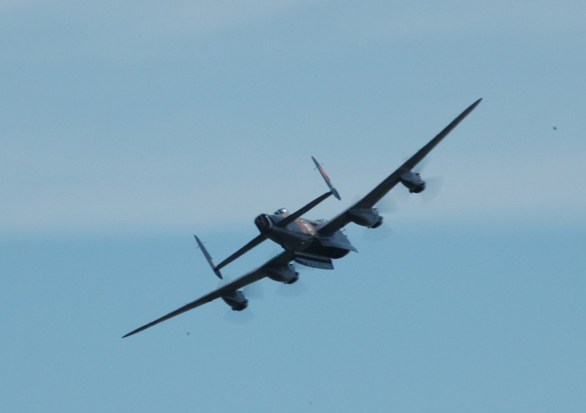 lancaster at raf waddington 2006.jpg