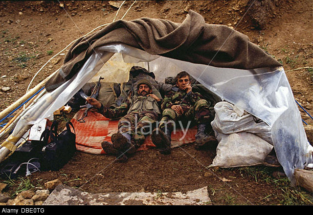 march-1995-northern-iraq-turkish-soldiers-take-a-rest-during-cross-DBE0TG.jpg