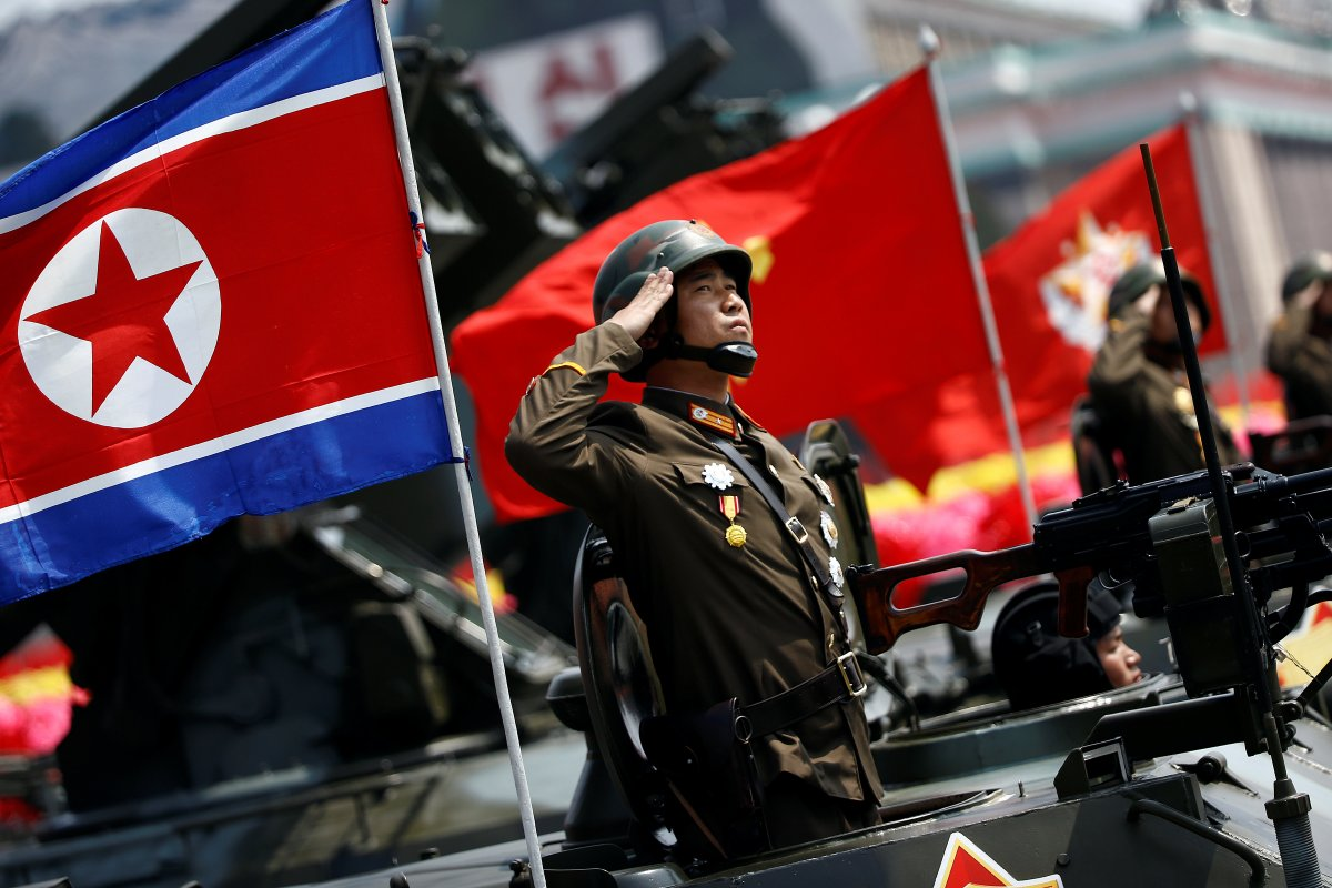 north_korea_parade001.jpg