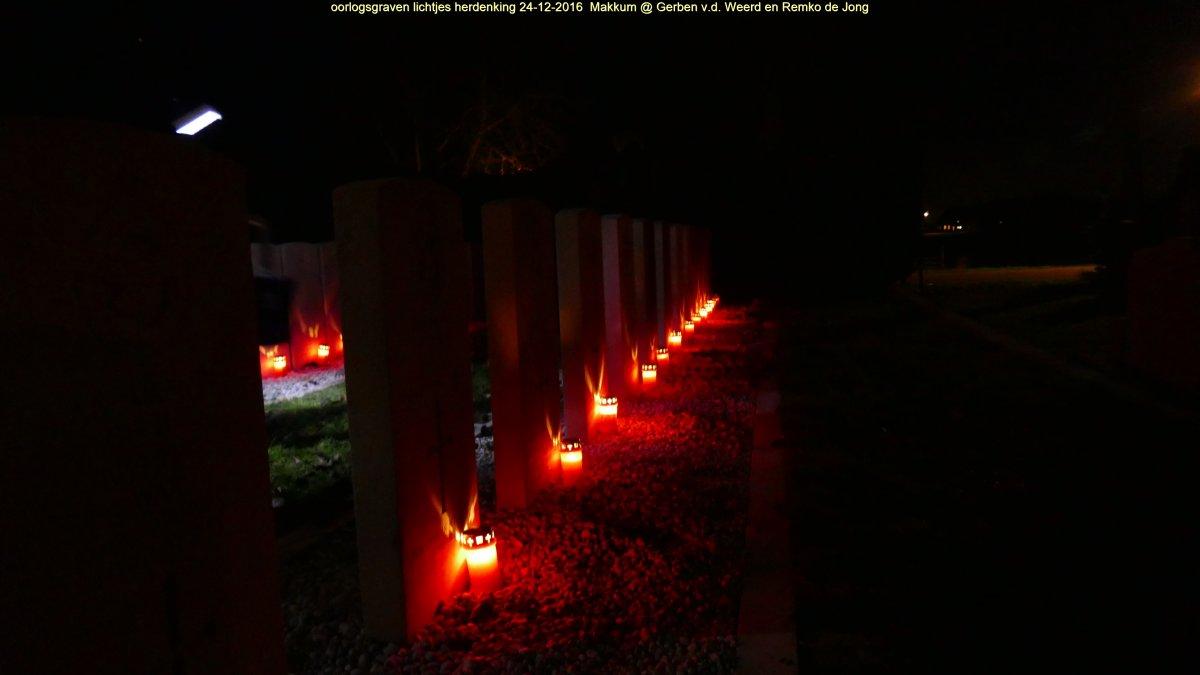 Oorlogsgraven lichtjes herdenking Makkum 24-12-20161165.JPG