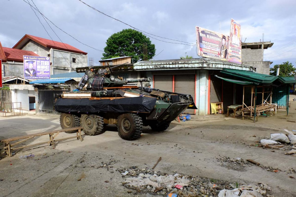 Philippine_Marines_guards_a_street_in_Marawi_City_-_June_7_2017_-_03.jpg