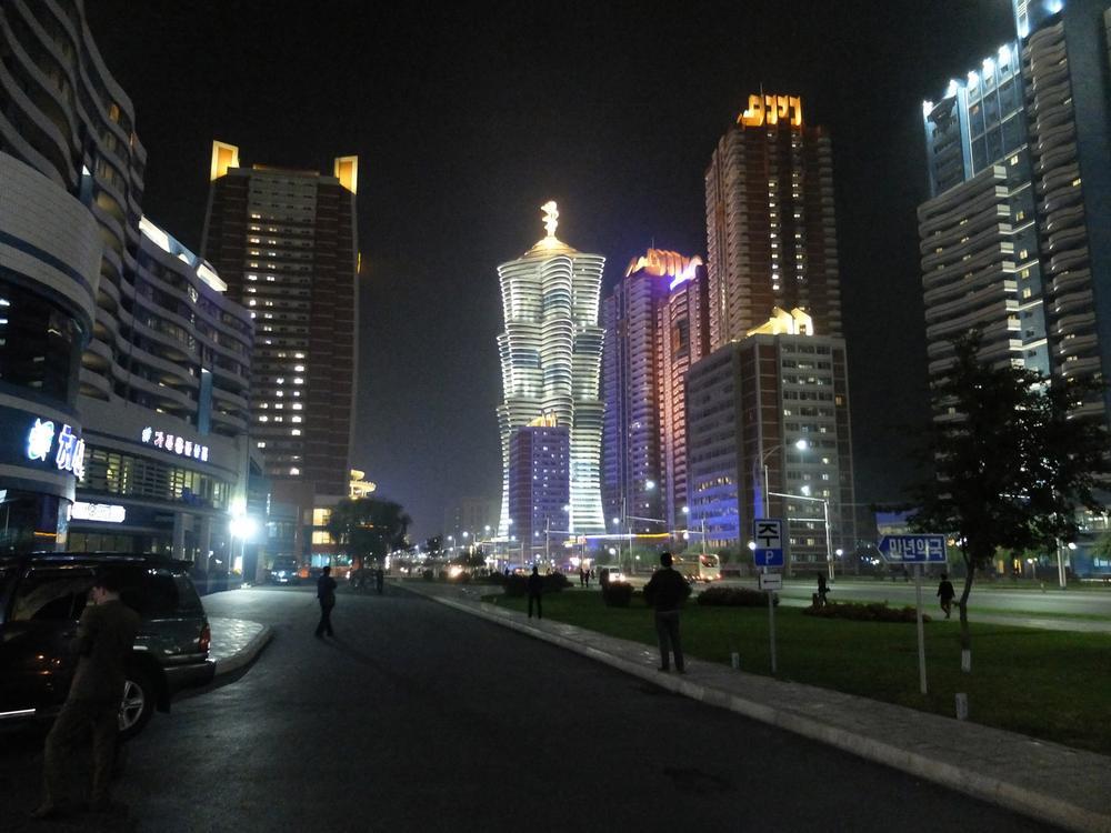 pizzapyongyang_Mirae-Street.jpg