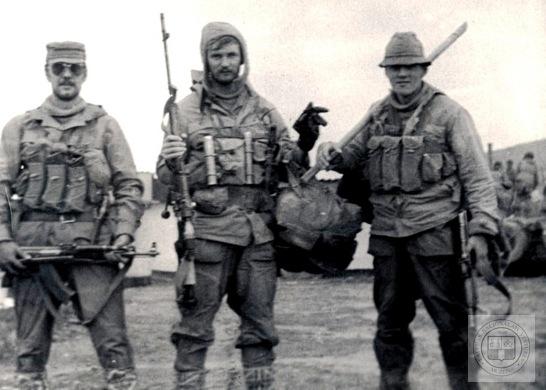 soldats soviétiques Soviet-latvian-soldiers-in-afghanistan-2-jpg