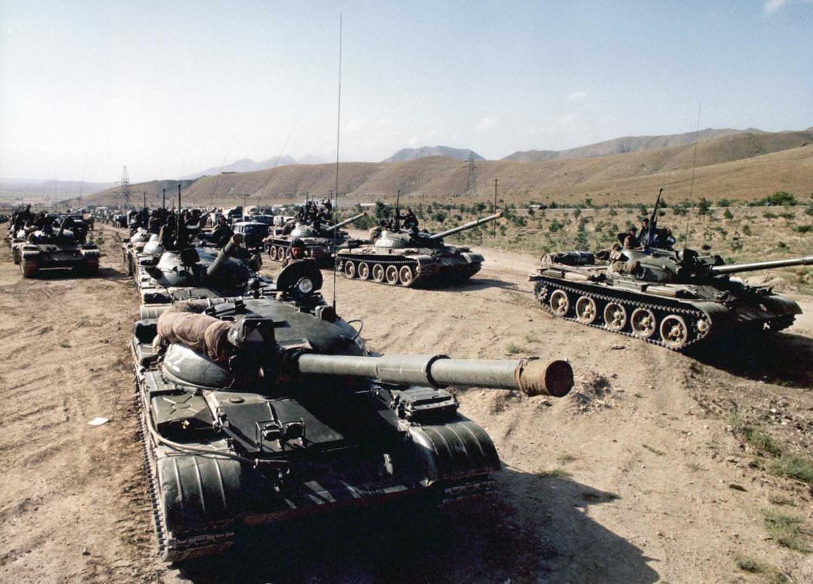 les blindés Soviet_war_in_afghanistan_in_pictures-10-jpg