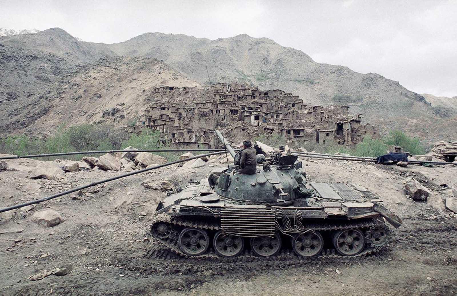 les blindés Soviet_war_in_afghanistan_in_pictures-23-jpg