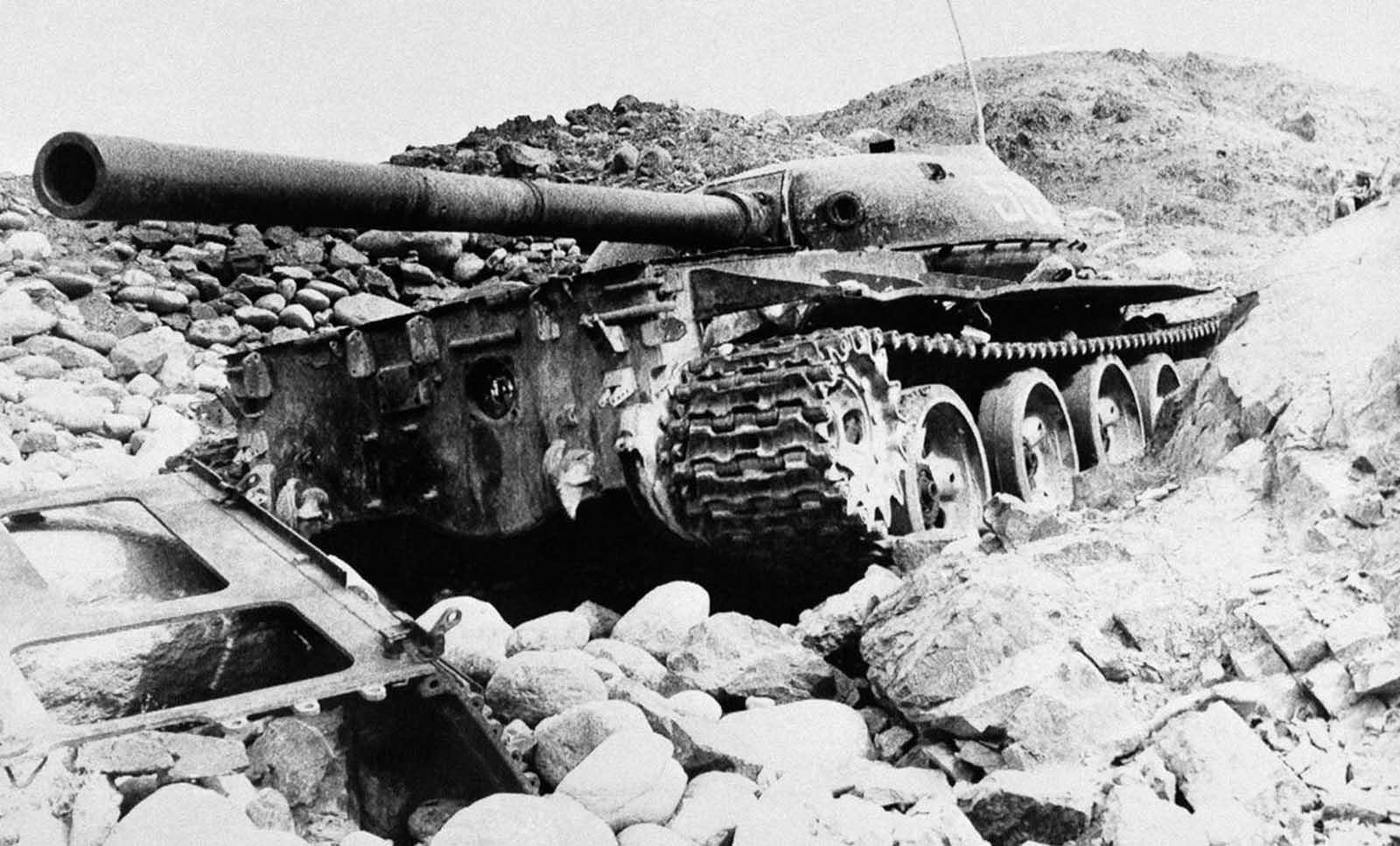 les blindés Soviet_war_in_afghanistan_in_pictures-25-jpg