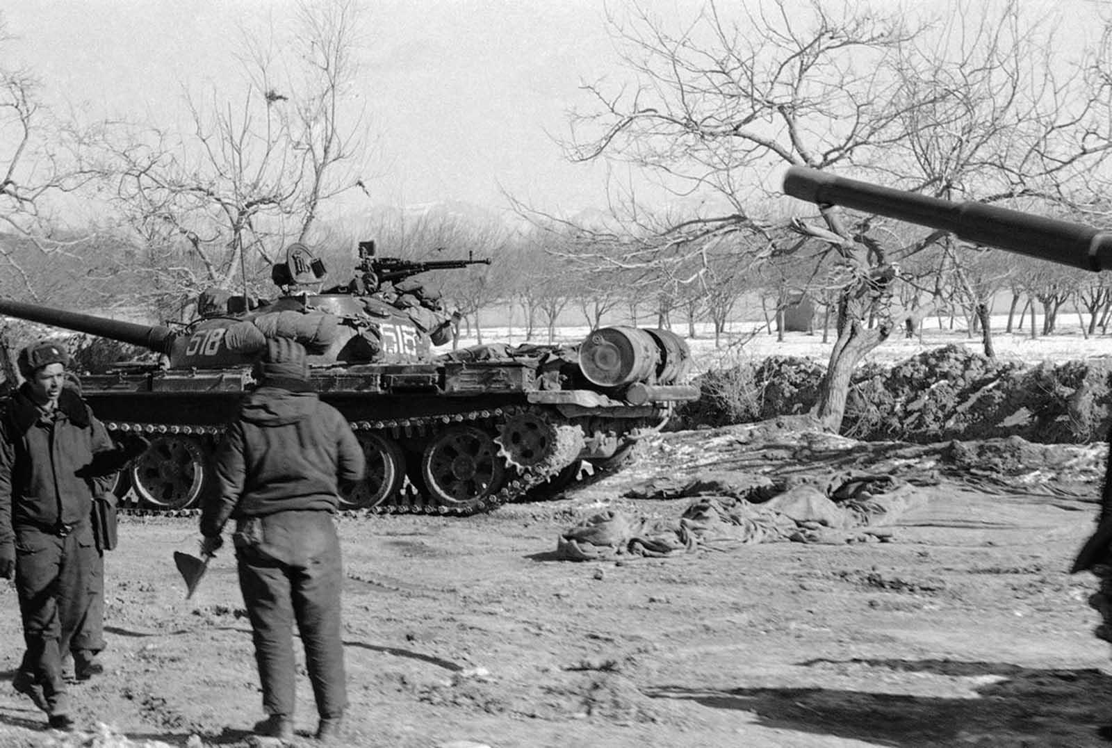 les blindés Soviet_war_in_afghanistan_in_pictures-3-jpg