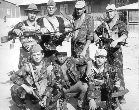 soldats soviétiques Soviets-in-afghanistan-2-jpg