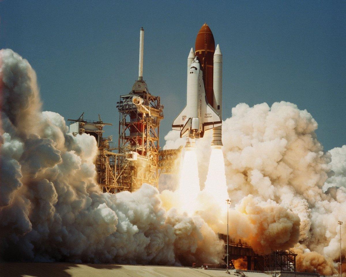 space_shuttle_challenger_launch.jpg