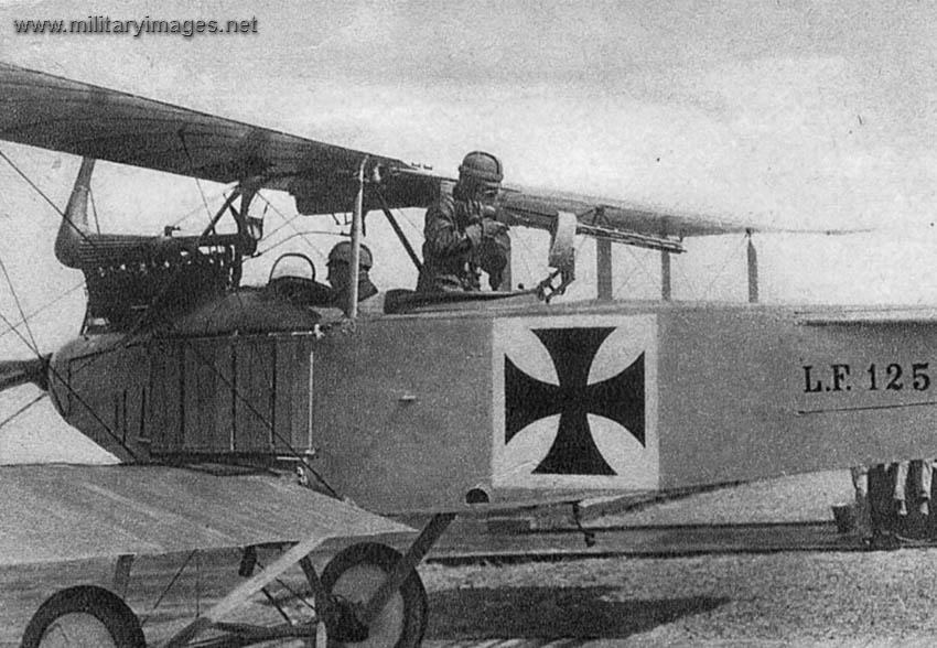 Au sujet des teintes de vernis des avions allemands 1914/1916 Full