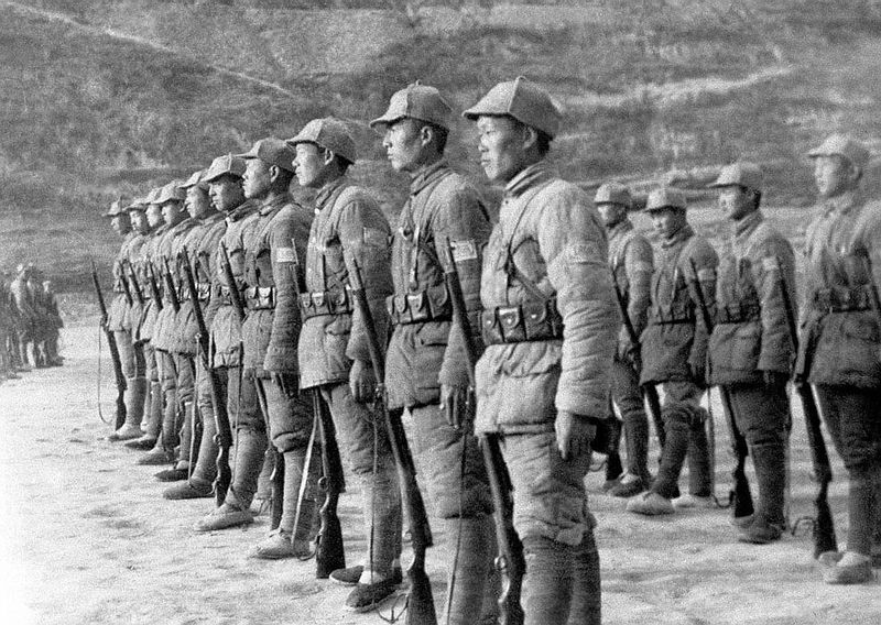 https://www.militaryimages.net/media/chinese-communist-soldiers-on-parade.89280/full?d=1521512658