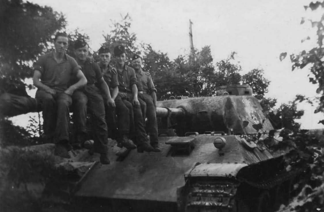 Panther Ausf D 4th Panzer Regiment Crew | MilitaryImages Net